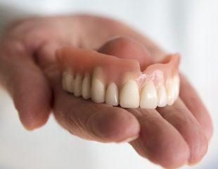 قیمت دندان مصنوعی در سال 99
