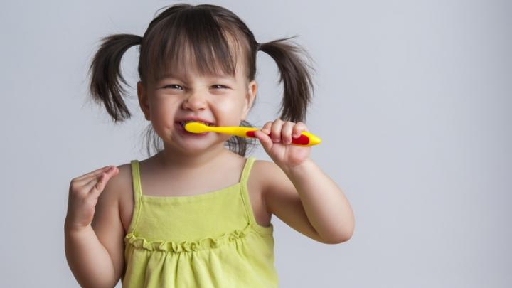 مراقبت از دندان کودکان